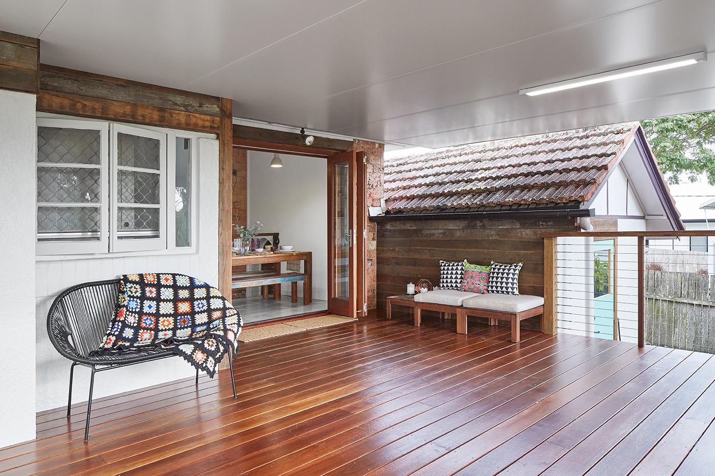 deck view with wood floor